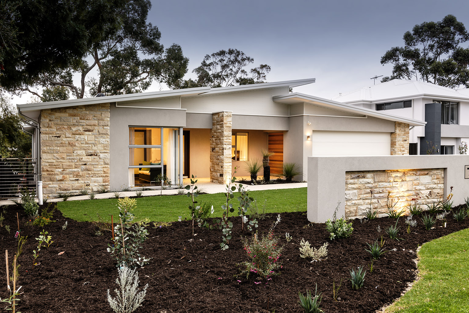 Lisle street devrite custom home builders perth for Limestone homes designs